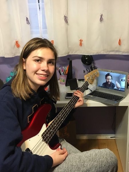 Online Music Lessons - Playing Bass - Sherman Oaks, Los Angeles - Join The Band
