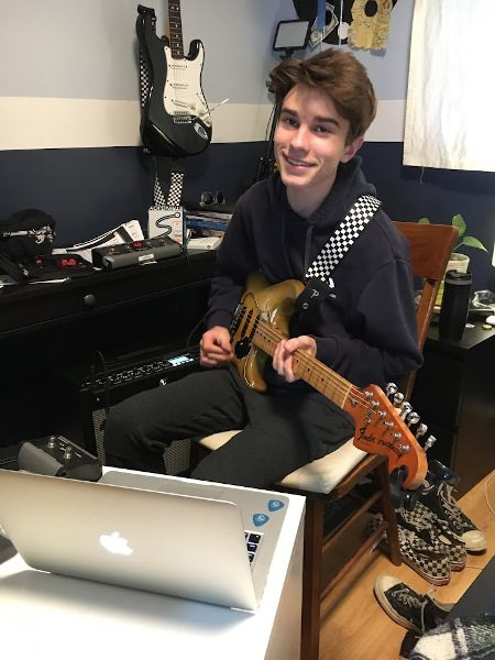Online Music Lessons - Playing Guitar - Sherman Oaks, Los Angeles - Join The Band